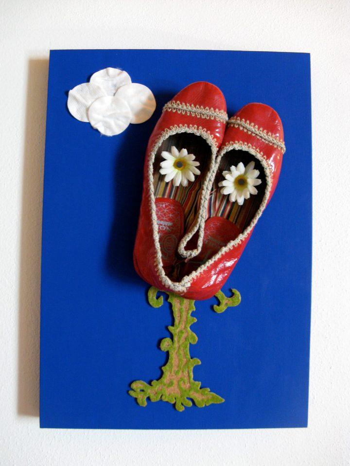 Cecì n'est pas un Magritte (2009) tecnica mista, 40 x 50 x 18 cm
