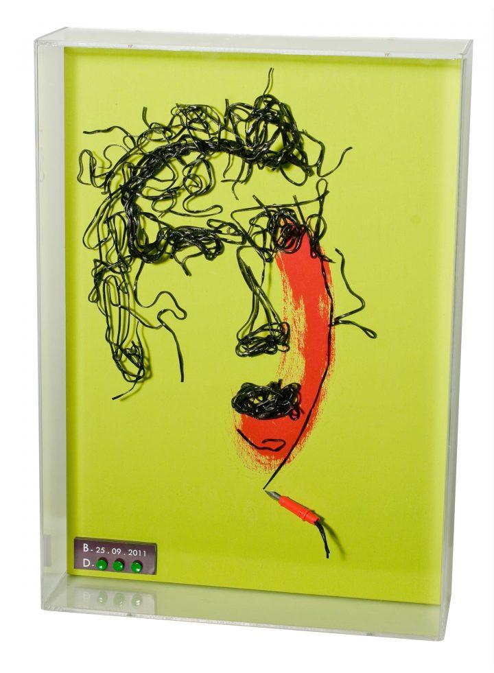 Nero di seppia – Linguine al nero di seppia + tempera – 35 x 50 x 12 cm