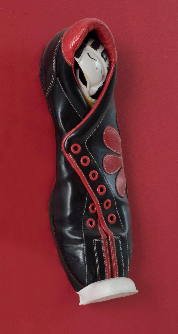 Geisha (2008) Tecnica mista – dimensioni scarpa